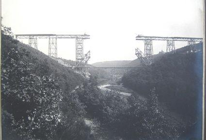 Müngstener Brücke im Bau